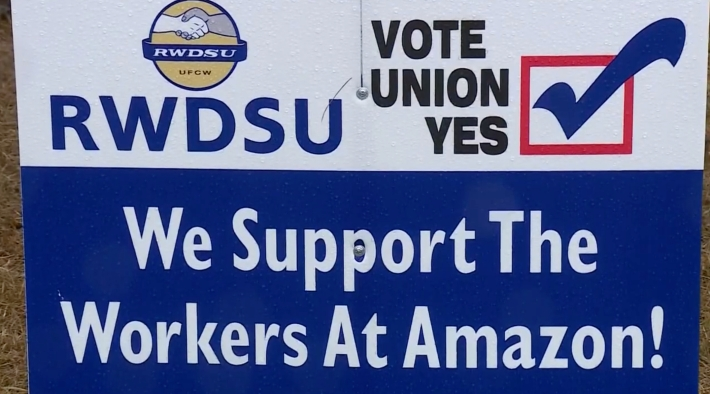 A pro-Amazon Union sign
